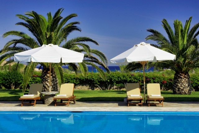 Yria resort parasporos 4 for Small luxury hotel group