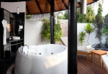 Pool Beach Villa bathroom